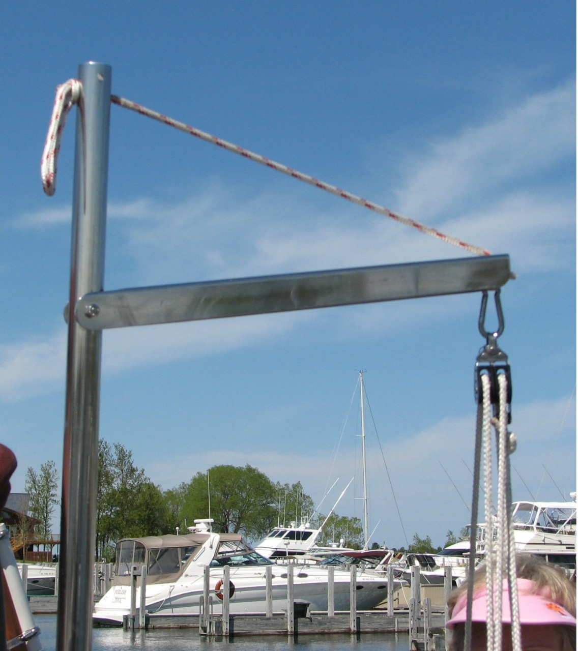 Lifting crane custom marine products marine solar systems for How to raise outboard motor